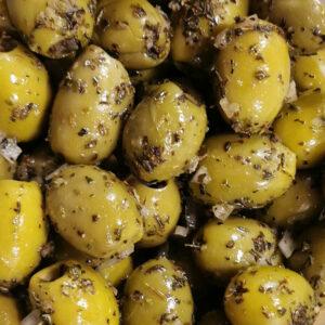 gemarineerde olijven knoflook
